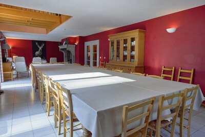 Maison de vacances spacieuse avec terrasse à Anhée, Belgique