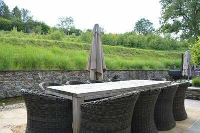 Maison de vacances confortable à Bièvre avec étang
