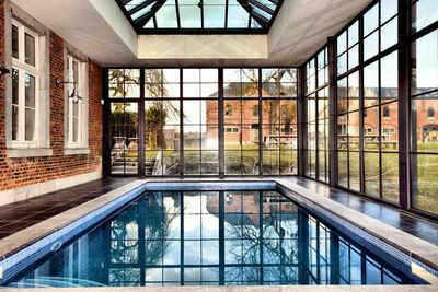 Luxueux hôtel particulier à Houyet avec sauna