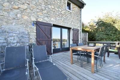 Maison de vacances de charme avec jardin privé à Beauraing