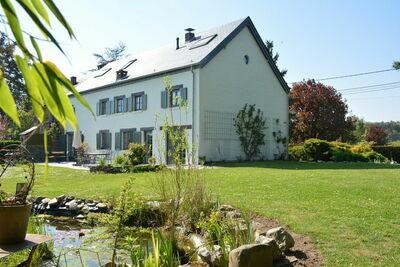Maison spacieuse à Rochefort avec grand jardin sans vis à vis située à côté du Château de Ciergnon