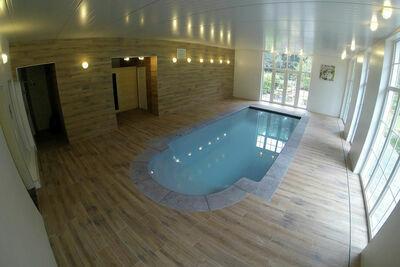 Demeure moderne à Mettet avec sauna et piscine