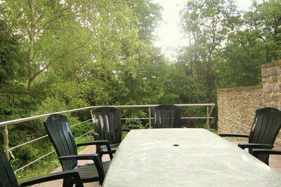 Maison de vacances cosy avec jardin à Viroinvlal