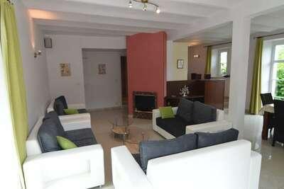 Maison de vacances moderne à Chimay avec terrasse