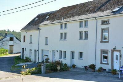 Gîte Rural situé dans le petit village de Radelange à 3 kilomètres de Martelange. 100% Nature !