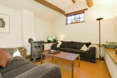 Spacieuse maison de vacances avec terrasse à Tavigny