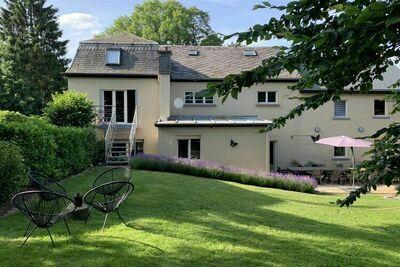 Maison de vacances spacieuse à Gouvy avec terrasse