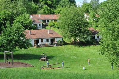 Bungalow douillet, cheminée, proche de la forêt et de Virton