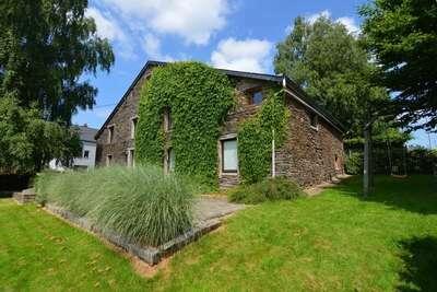 Grande maison de vacances avec jardin clos dans les Ardennes