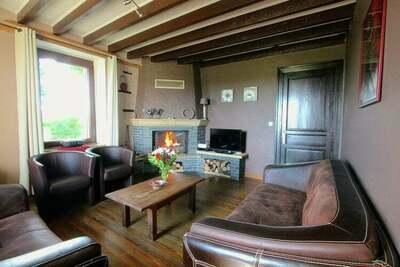 Maison de vacances moderne à Neufchâteau avec terrasse