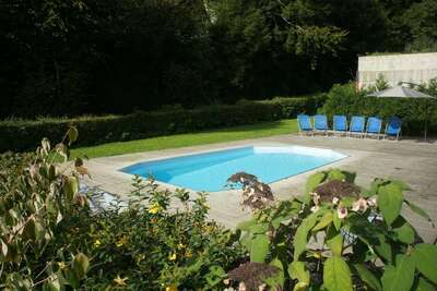 Gite pour groupes familiaux avec piscine extérieure près de Neufchateau