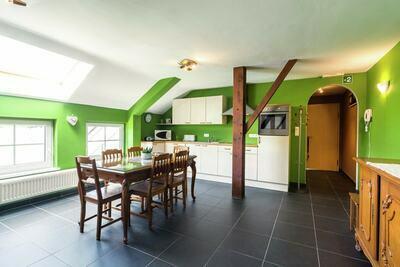 Superbe maison de vacances avec jacuzzi à Léglise