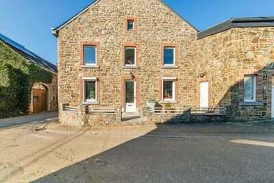 Charmante maison de vacances à Awenne, belle terrasse