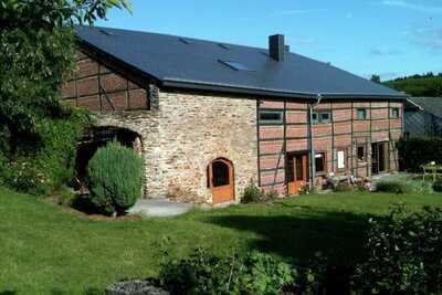 Maison de vacances confortable à Redu avec jardin privé