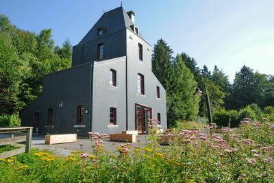 Exquise maison de vacances avec jardin à Nassogne