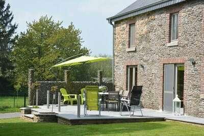 Belle maison de vacances à Champlon avec jardin clôturé