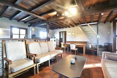 Chalet vintage avec jardin privé proche forêt à Westouter
