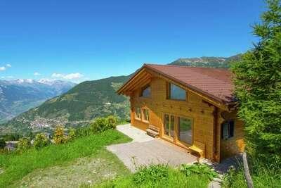Magnifique chalet au milieu des montagnes à La Tzoumaz