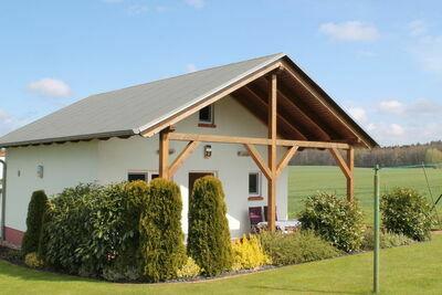 Maison de vacances ensoleillée avec jardin clôturé à Bastorf