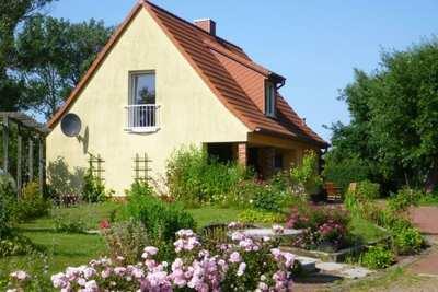 Maison paisible à Niendorf avec jardin et parking
