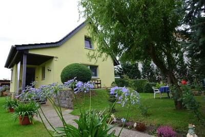 Charmante maison de vacances à Brandebourg près de la forêt