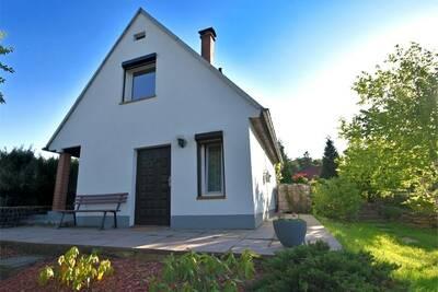 Maison de vacances moderne à Güntersberge, étang à poissons