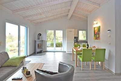 Maison de vacances moderne à Güntersberge près du lac