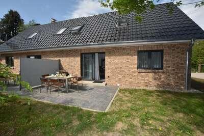 Maison de vacances idyllique avec terrasse à Damshagen