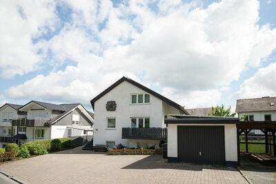 Maison de vacances charmante à Schmallenberg avec parking