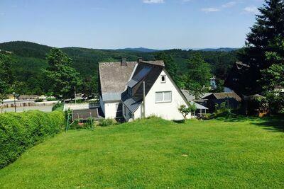 Maison de vacances modeste à Neuastenberg avec jardin