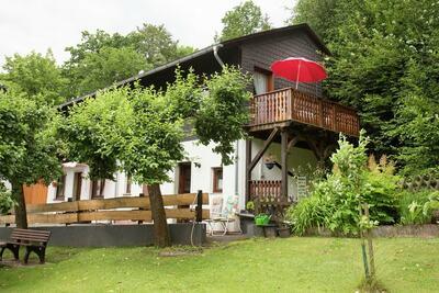 Maison de vacances à Medebach avec balcon