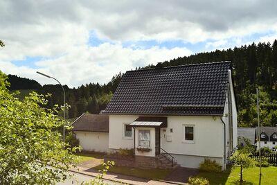 Maison de vacances moderne à Deifeld avec jardin privé