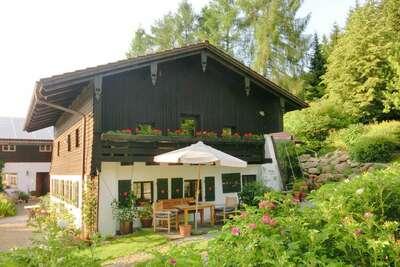 Maison de vacances confortable à Kollnburg avec terrasse
