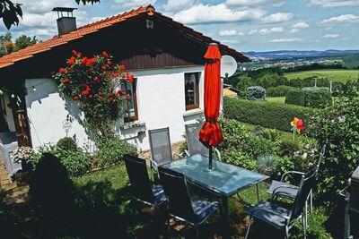 Maison de vacances animée près du jardin privé à Oehrenstock