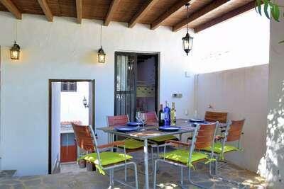 Belle maison de vacances avec piscine privée à Rute