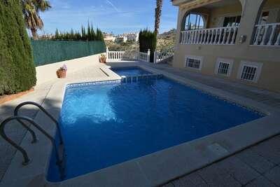 Villa confortable à Rojales avec piscine privée