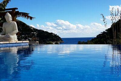Belle villa à Cala de Sant Vicent, Ibiza, avec piscine