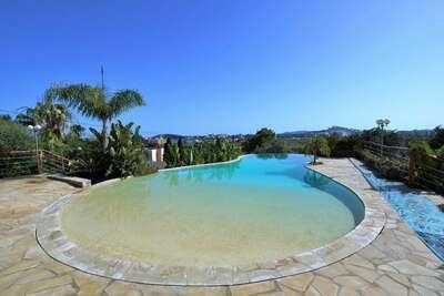 Villa moderne à Santa Eulària des Riu avec piscine privée