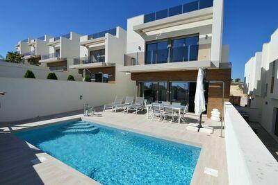 Villa moderne à Orihuela avec piscine privée