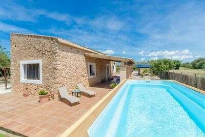 Villa moderne avec piscine à Santa Eugènia