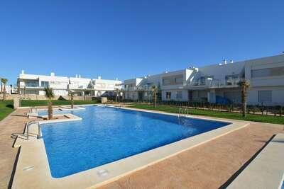 Maison de vacances moderne avec piscine à Orihuela