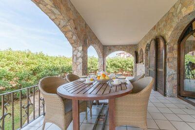 Superbe maison de vacances à Torroella de Fluvia avec jardin