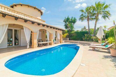 Villa chic avec piscine à Son Serra de Marina en Espagne
