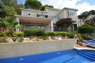 Villa confortable avec piscine à Santa Cristina d'Aro