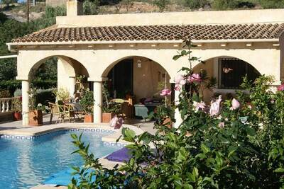Maison de vacances confortable à Finestrat avec piscine