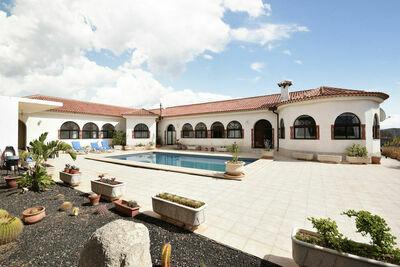 Charmante maison de vacances avec piscine à San Isidro