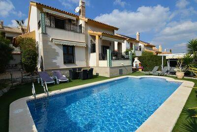 Villa spacieuse à Algorfa avec piscine