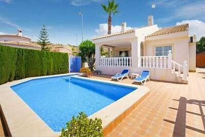Villa moderne à Benijófar avec piscine privée