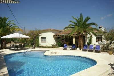 Magnifique maison de vacances avec piscine à Parcent