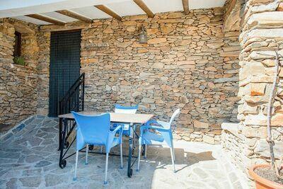Gîte traditionnel à Laroya avec piscine et terrasse avec vue